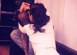 Rihanna publica foto de Chris Brown no Instagram