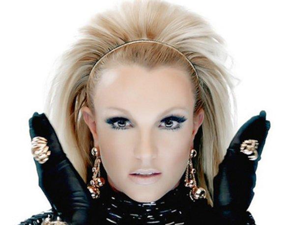 Britney Spears lança clipe com Will.I.am
