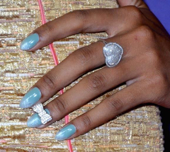 Entre na moda dos anéis de unha!
