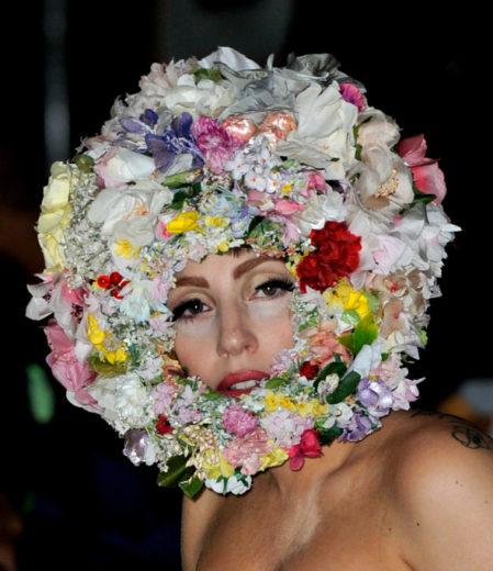 Lady Gaga é eleita a celebridade mais excêntrica do mundo