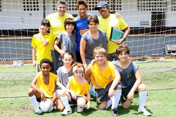 Neymar grava participação em Carrossel