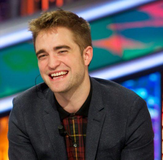 Robert Pattinson diz que não conhece One Direction!