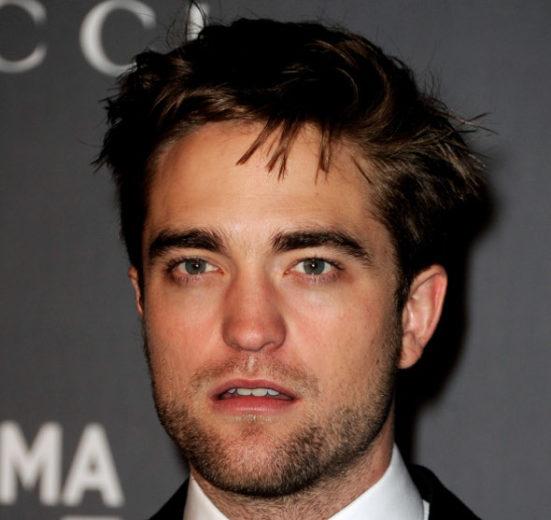 Robert Pattinson diz que beija muito mal!