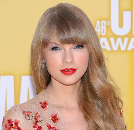 Taylor Swift é acusada de roubar música!