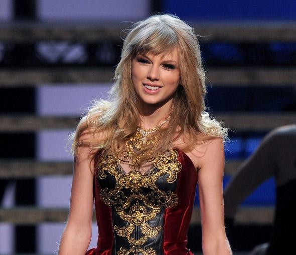 """Taylor Swift polemiza: """"o sonho de toda menina é encontrar um bad boy"""""""