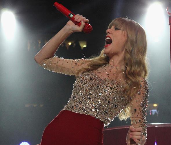 Taylor Swift ganha prêmio de famosa mais caridosa do ano
