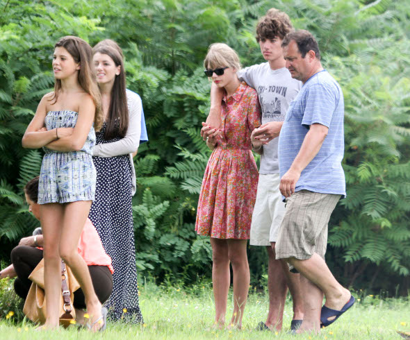 Taylor Swift reencontra a família Kennedy