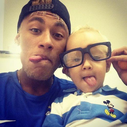 Neymar posta nova foto com o filho-materia