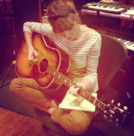 Taylor Swift está gravando músicas novas