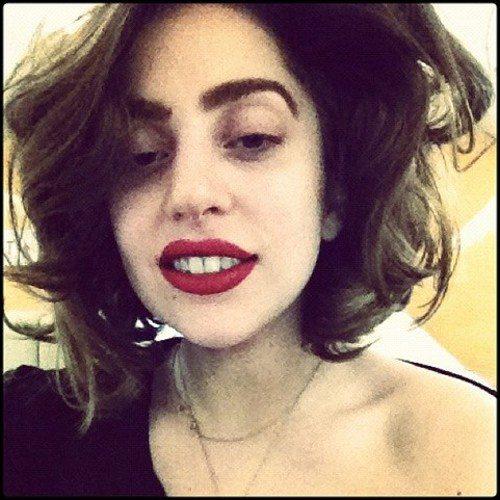 Lady Gaga mudou o corte de cabelo-materia