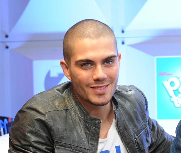 Max George sofre acidente durante show do The Wanted