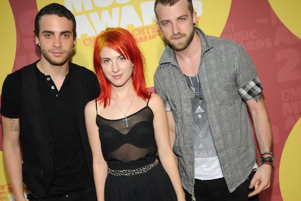 Paramore divulga refrão de música inédita-materia