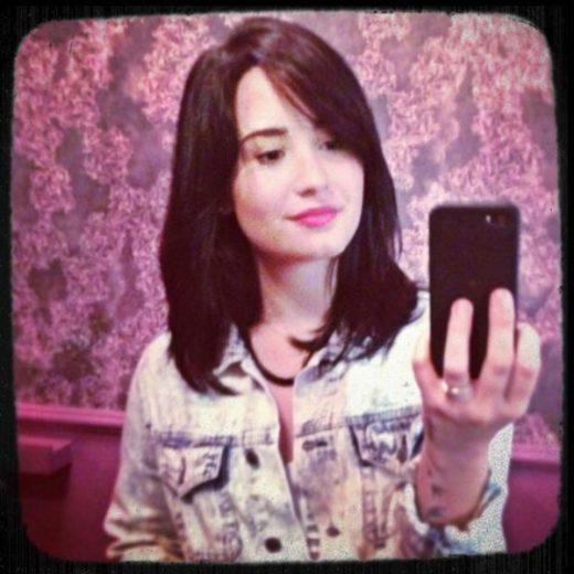 Novo corte de cabelo de Demi Lovato