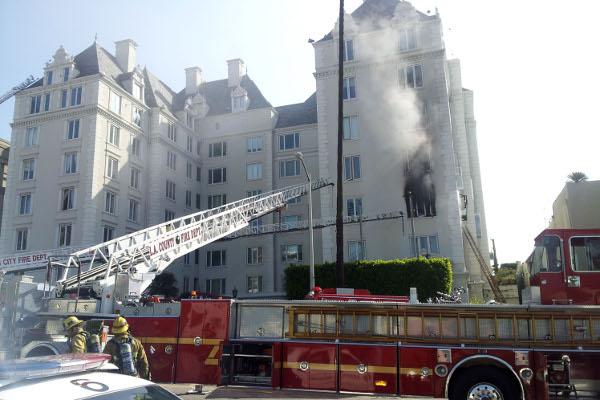 Apartamento de Ashley Greene em chamas