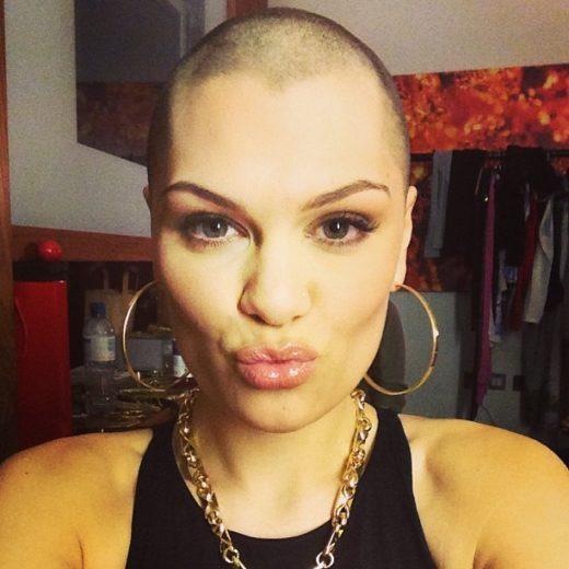 Jessie J cabelo raspado