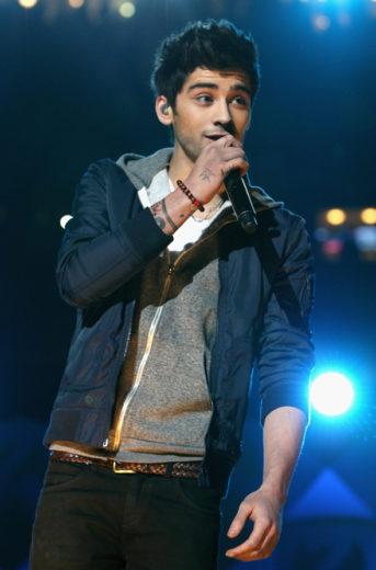 Zayn Malik cantando