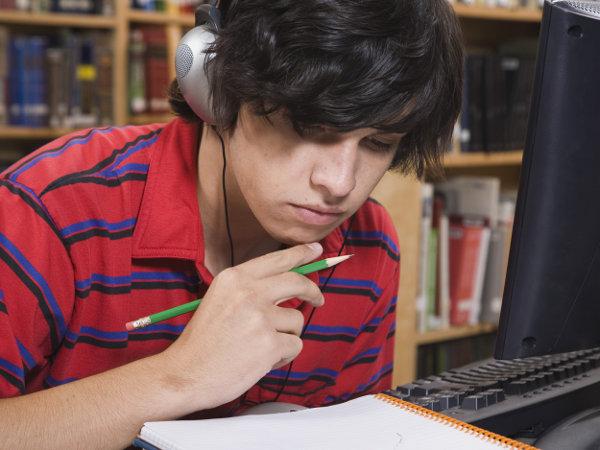 Site ajuda alunos a estudarem para o ENEM
