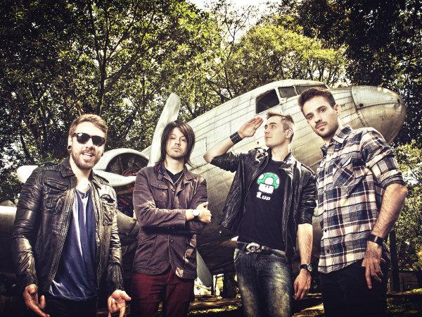 Conheça a banda Contra as Nuvens? Conversamos com os meninos!