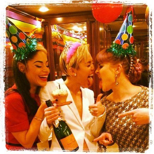 Retrospectiva: as polêmicas de Miley Cyrus em 2013!