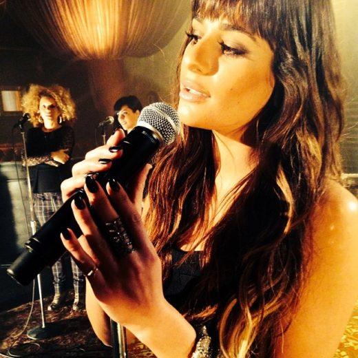 Lea Michele divulga fotos da gravação de seu álbum
