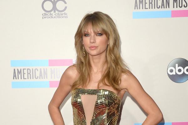 """""""O Doador"""", filme com Taylor Swift, estreia em agosto"""