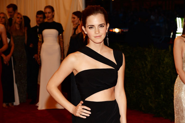 """Emma Watson teria ficado doente após beber água parada nas filmagens de """"Noé"""""""