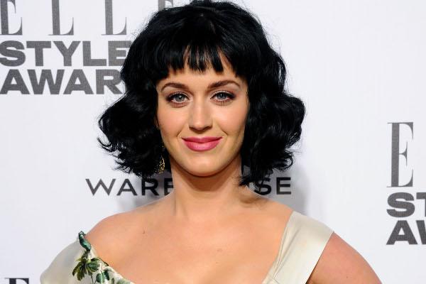 """Katy Perry é eleita a """"Mulher do Ano"""" pela Revista """"Elle"""""""