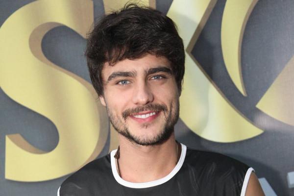Guilherme Leicam capota carro no Rio de Janeiro