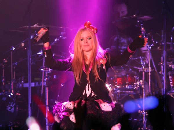 Avril Lavigne é eleita a canadense mais famosa da atualidade