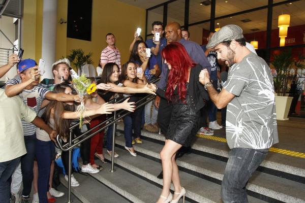 Dá uma olhada em como foi o primeiro dia da diva no Brasil: