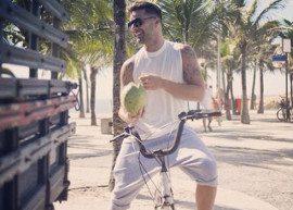 """Ricky Martin aprende a dançar """"Lepo Lepo"""""""