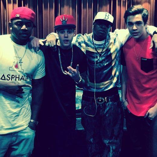 Justin Bieber faz parceria musical com Austin Mahone