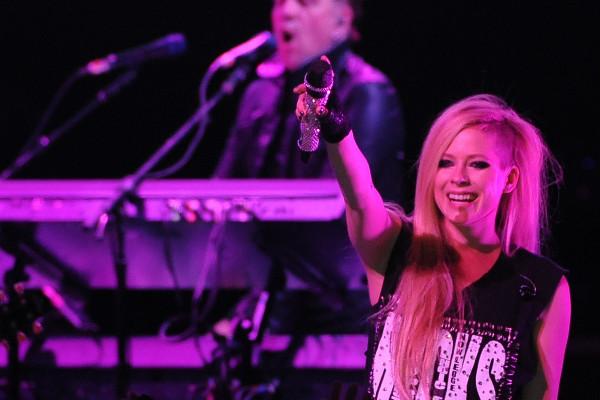 Avril Lavigne faz primeiro show no Brasil