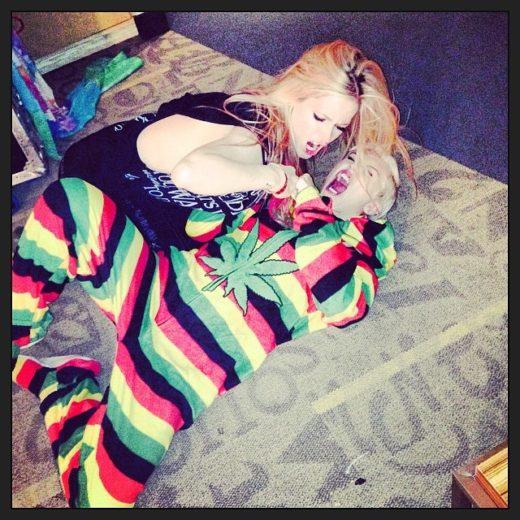 Miley Cyrus e Avril Lavigne disputam quem é mais famosa