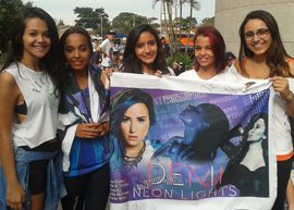 Lovatics no show da Demi