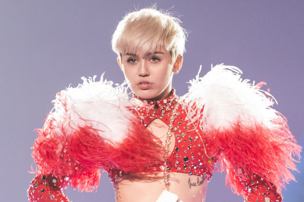 Miley Cyrus cancela show pouco antes de subir ao palco