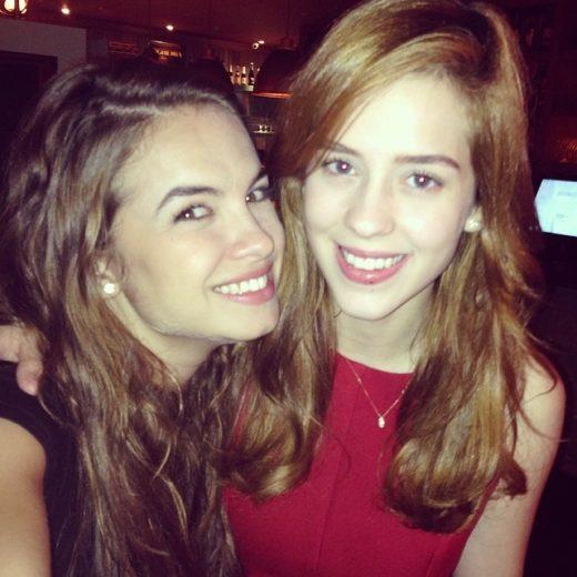 Sophia Abrahão e Lua Blanco se encontram em restaurante