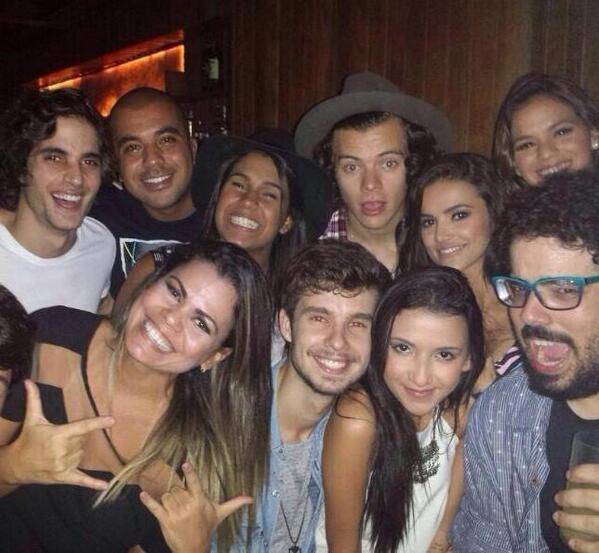 Relembre os melhores momentos da One Direction no Brasil
