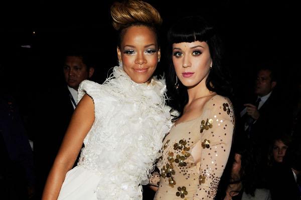Katy Perry promete que fará dueto com Rihanna