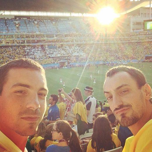 Gatos que torceram pelo Brasil na estreia da Copa do Mundo