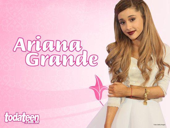 Ariana Grande Wallpaper (Fullscreen)