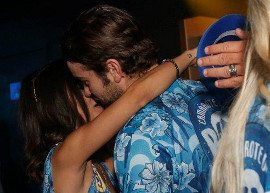 Chace Crawford, de 'Gossip Girl' é visto beijando Manu Gavassi