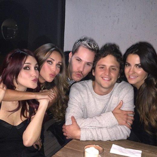 Anahí publica fotos com ex- RBDs na madrugada