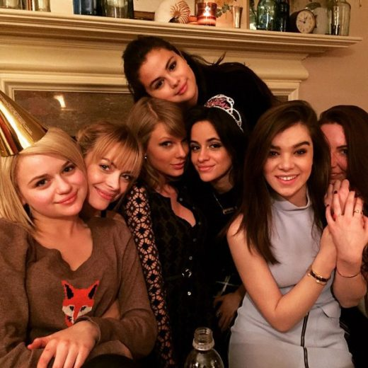 Camila Cabello comemora aniversário com Taylor Swift e Selena Gomez