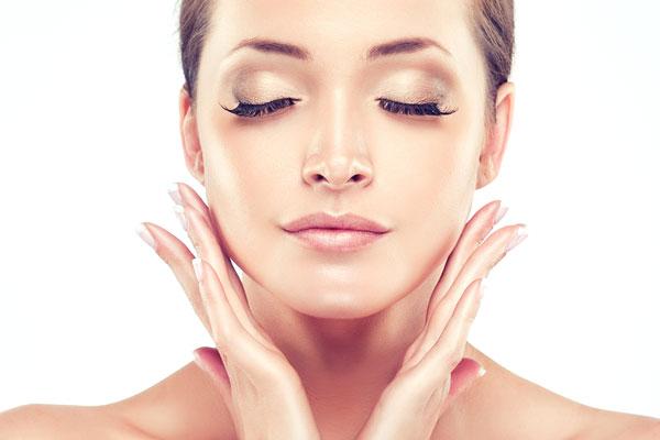 Motivos para não dormir de maquiagem