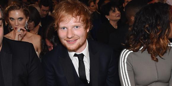 """Ed Sheeran lança música eletrônica em parceria com Martin Garrix! Ouça """"Rewind Repeat It"""""""