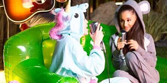 """Miley Cyrus e Ariana Grande cantam juntas para o projeto """"Backyard Sessions"""""""