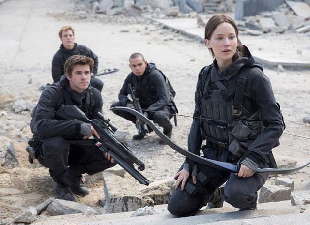 """Jennifer Lawrence divulga nova imagem de """"Jogos Vorazes - A Esperança Parte 2"""""""