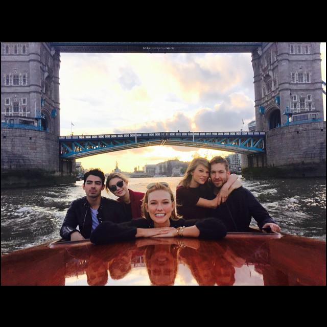 Encontro de casais? Taylor Swift posta foto com Calvin Harris, Gigi Hadid e Joe Jonas