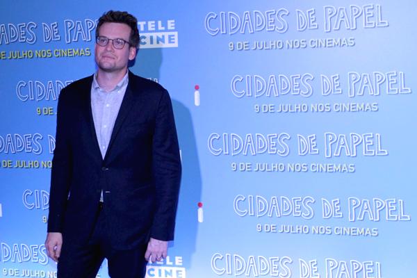 Com problemas de saúde, Nat Wolff não participa da première do filme 'Cidades de Papel'